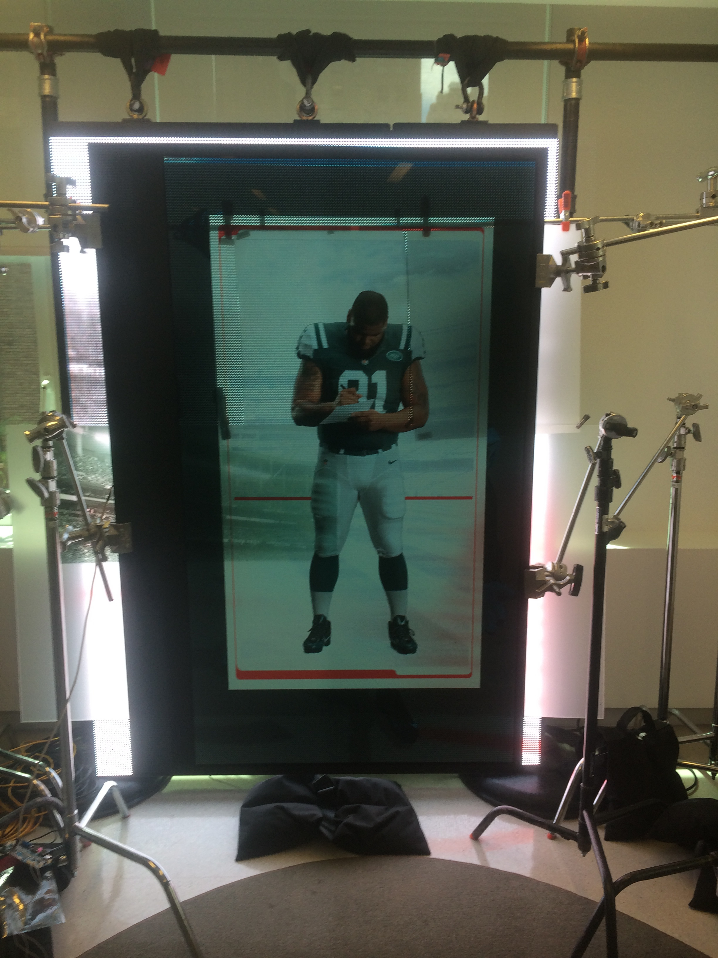 New York Jets Go Large on Translucent Screens