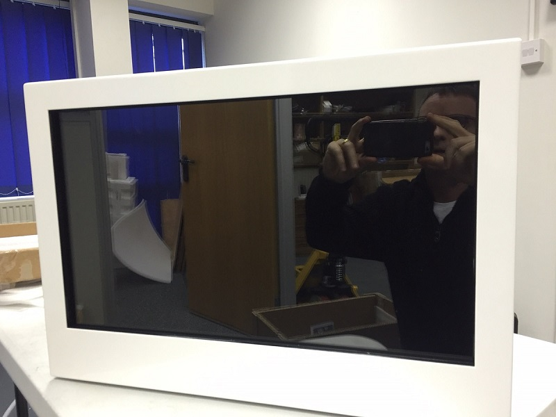NEW Range of High Quality Transparent Showcases