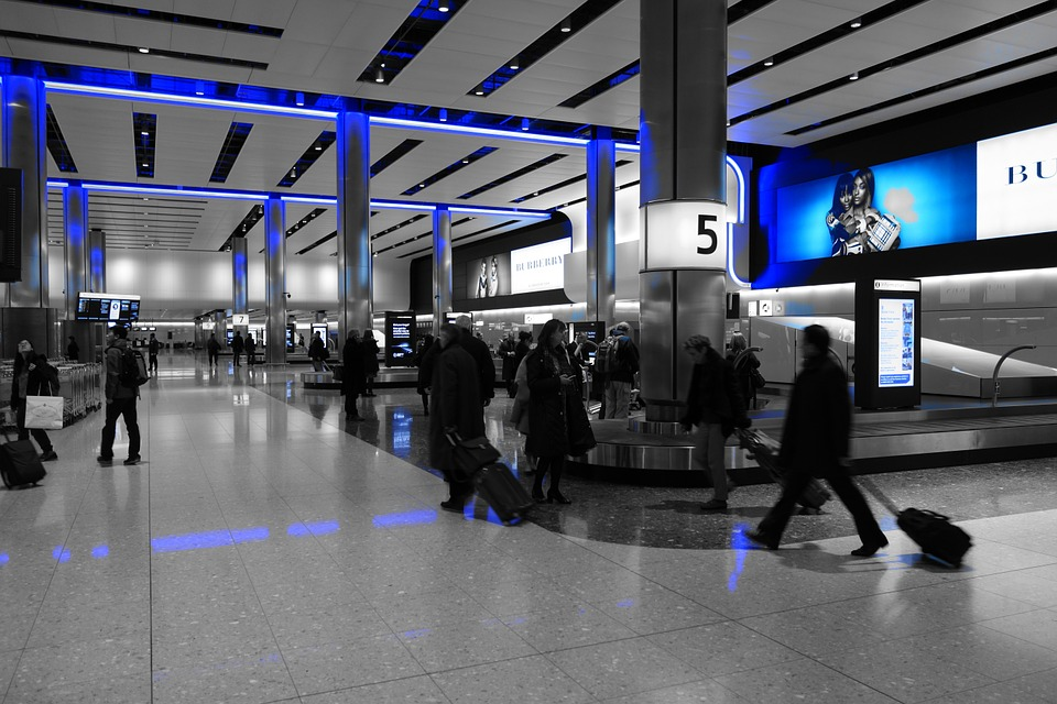 Using Digital Signage for Airports